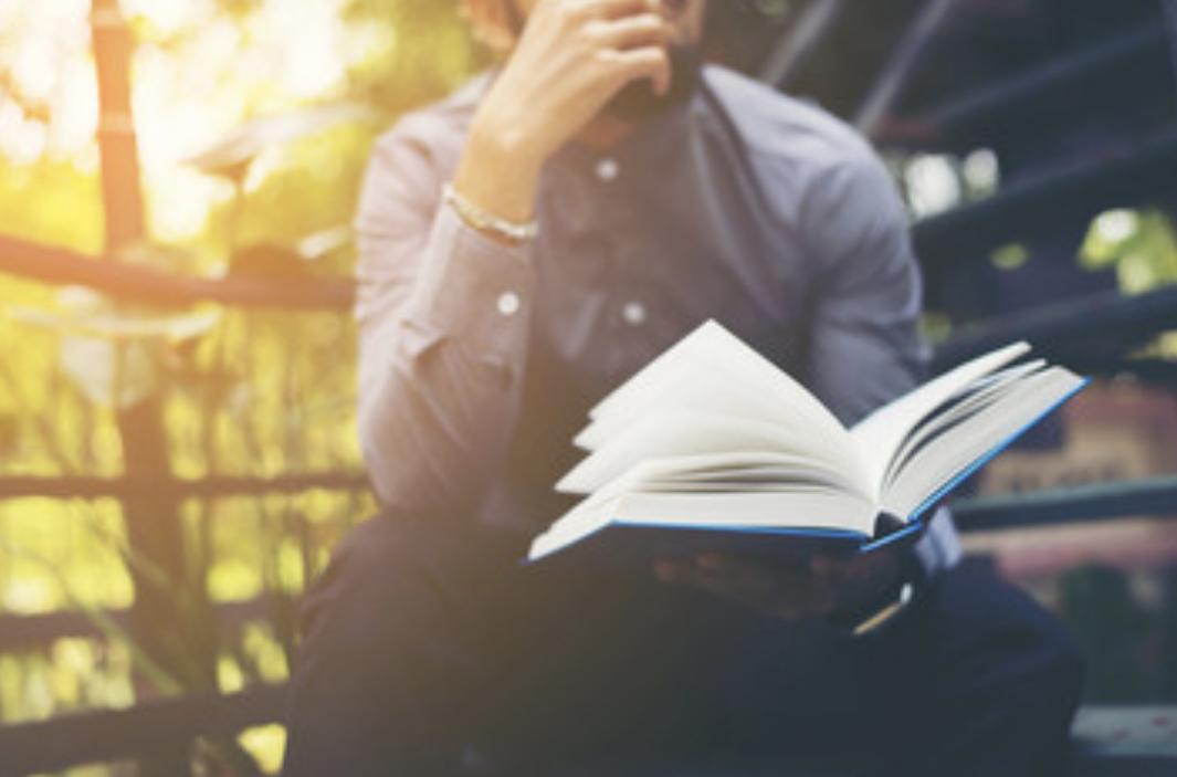底辺生活から抜け出したいなら本を100冊読むべき理由