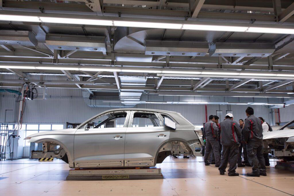 自動車工場 きつい